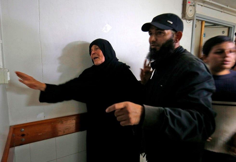 אמו של נור בראכה (צילום: AFP)