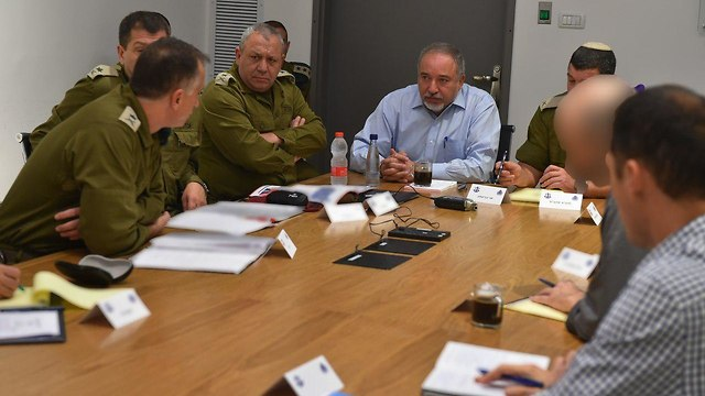 Defense Minister Lieberman holds situation assessment with IDF Chief Eisenkot and other IDF officials (Photo: Ariel Hermoni/Defense Ministry)
