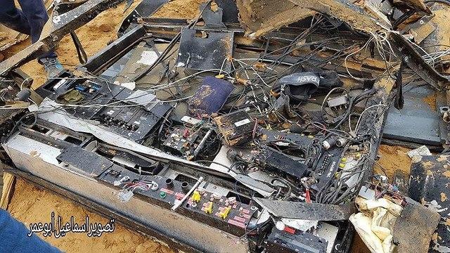 מכשירי הקשר שהיו בתוך הרכב שפוצץ בעזה אמש ()