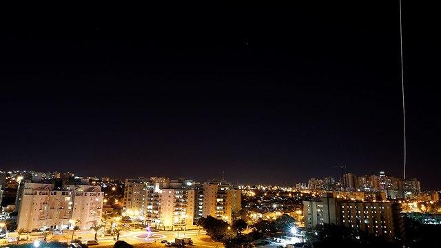 El misil Iron Dome disparó contra un cohete en Ashkelon (Foto: Reuters)