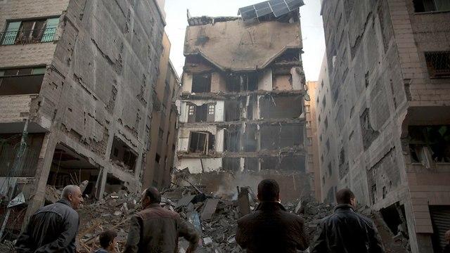IAF destruye edificio en Gaza (Foto: AP)