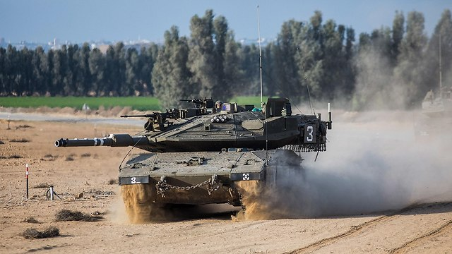Merkava Mark 4 près de Gaza (Photo: MCT)