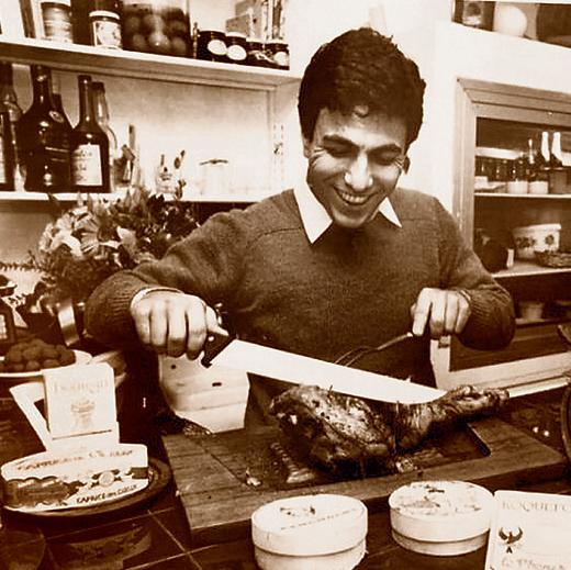 """""""בכלל רציתי להיות שחקן"""". כהן בתחילת דרכו במסעדת קרן, חורף 1986"""