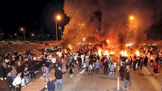 הפגנה תושבי עוטף עזה נגד הפסקת אש עם חמאס (צילום: גדי קבלו)