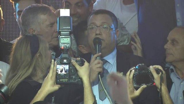 חגיגות במטה משה ליאון לאחר הניצחון בבחירות המקומיות לראשות עיריית ירושלים (צילום: אלי מנדלבאום)
