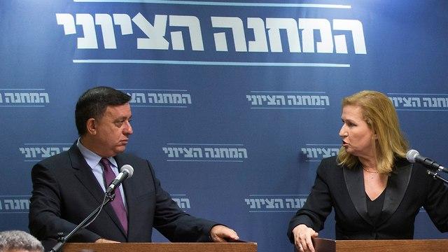Avi Gabbay and Tzipi Livni (Photo: Amit Shabi)