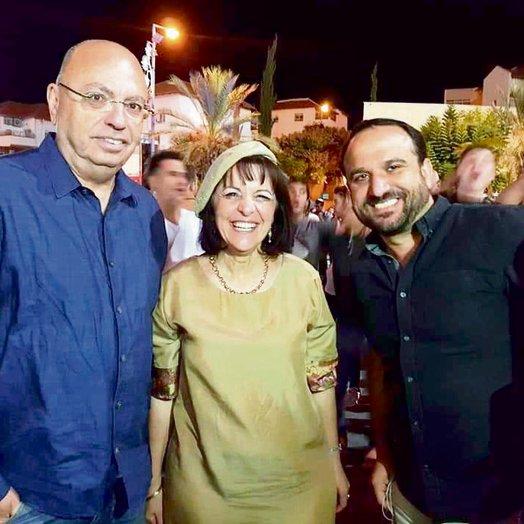 עם מנהל הקמפיין אסף פאסי (מימין) והאסטרטג רוני רימון