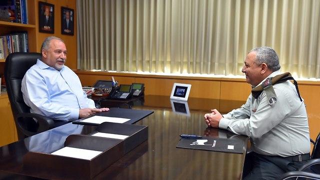 Либерман и начальник генштаба ЦАХАЛа Гади Айзенкот, который не провел ни одной крупной операции за время каденции