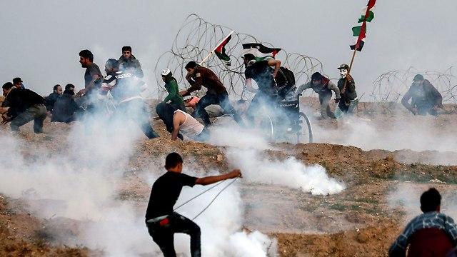 Gaza border riots, Friday (Photo: AFP)