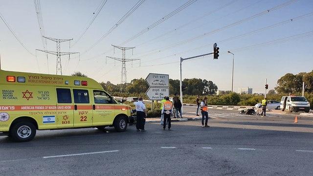 תאונת דרכים בכביש 40  (צילום: תיעוד מבצעי מד