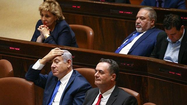 Yisrael Katz, Benjamin Netanyahu, Avigdor Lieberman and Ayman Odeh during Knesset session (Photo: Ohad Zwigenberg)