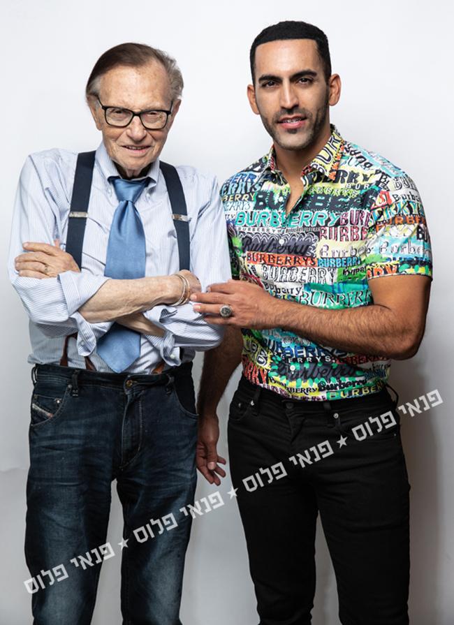 אוהב ישראלים. לארי קינג ונשיא החברה שלו, ניב יעקובי (צילום: זיו שדה)
