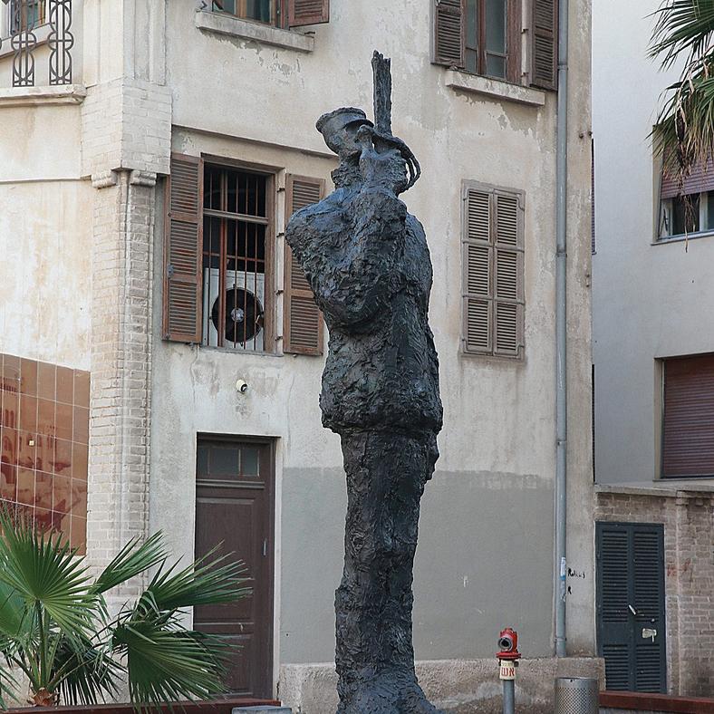 'A tribute to Captain Dreyfus'