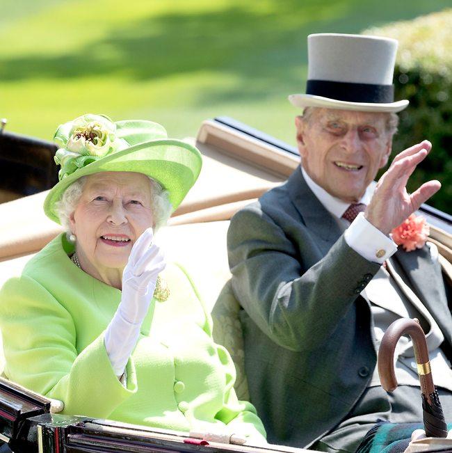 חיים בעושר ואושר. המלכה אליזבת' והנסיך פיליפ (צילום: Gettyimages)