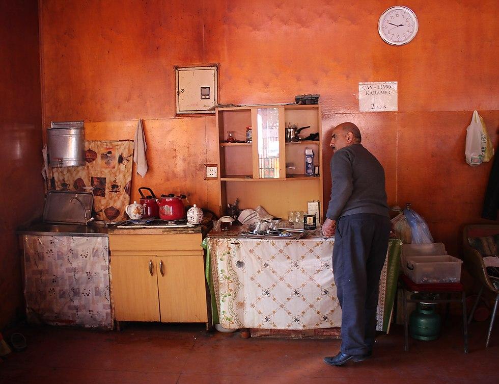 The Cafe in Qirmizi (Photo: Yoav Keren)