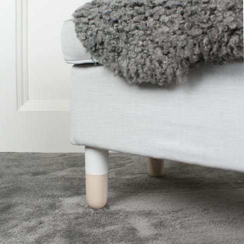 רגלי עץ ''טבולות'' (יש גם בצבע מנטה), 59 יורו (צילום: מתוך prettypegs.com)