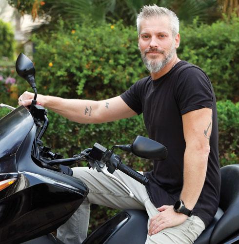 יאיר מרטון. בן 43, בעלי משרד ליחסי ציבור, נשוי לשירלי ואב לשנתיים (צילום: שאול גולן)