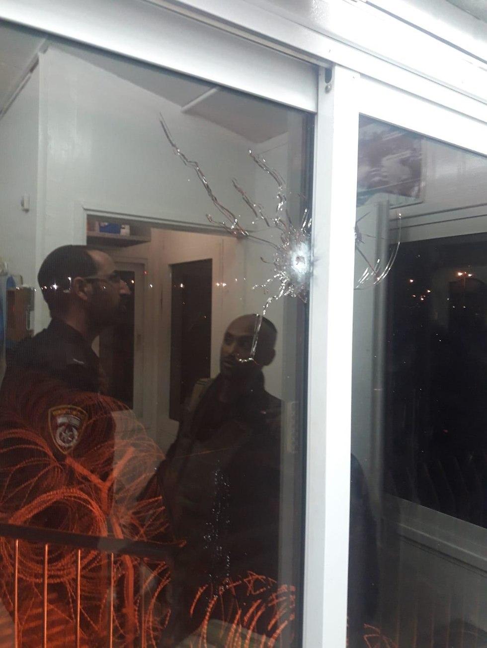 הפגיעה במגדל השמירה (צילום: דוברות שב