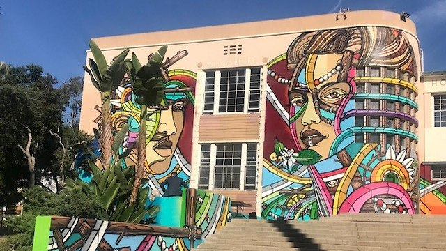 Pro Israeli graffiti painted on the outer walls of Hollywood High School  (Photo: Artists 4 Israel, The Consulate General of Israel in Los Angeles)