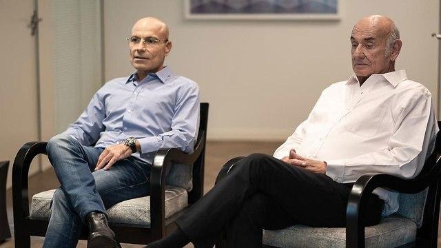יעקב פרי וצביקה נווה חברת  CGI Group פרשת הבחירות בגאורגיה (צילום: ירון ברנר)