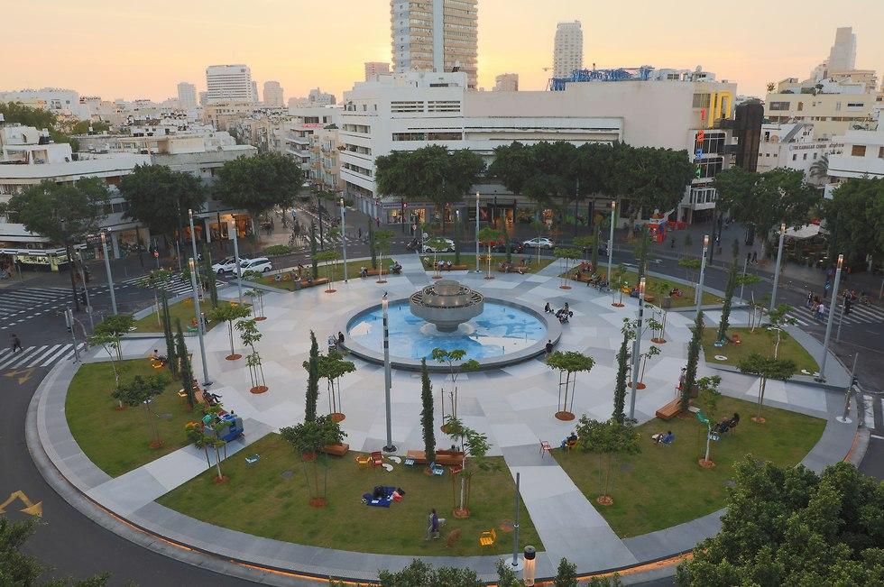 סיור באזור כיכר דיזנגוף (צילום: דנה קופל)