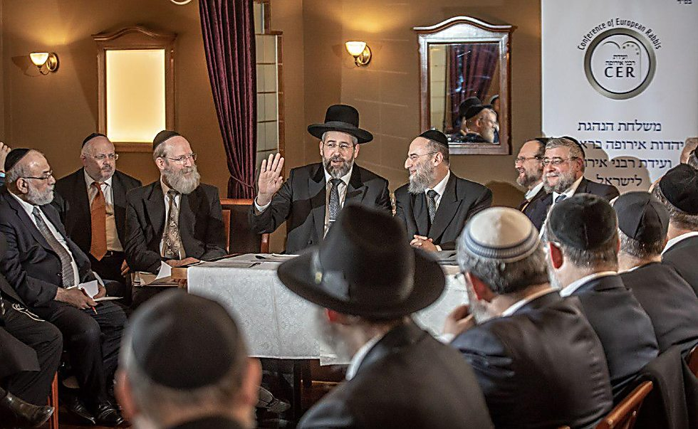 Rabbi Lau meets with European rabbis