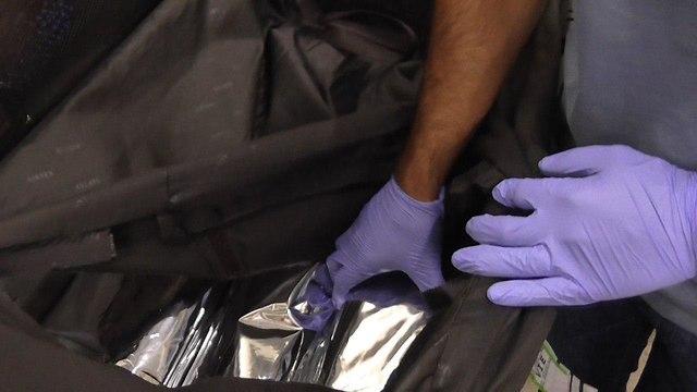 תפיסת מזוודה המכילה כדורי אקסטזי בנתב