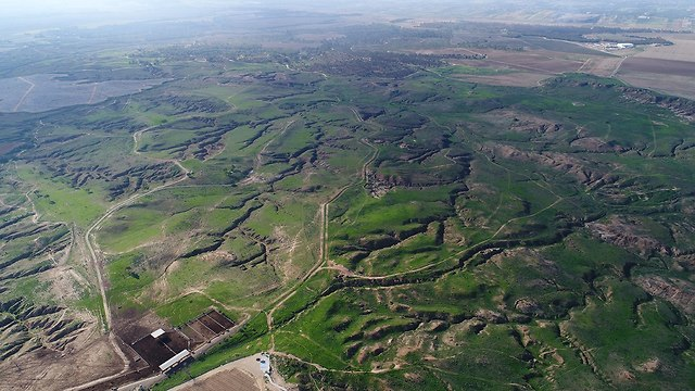 Drone photos of Be'eri Crater (Photo: Dronimagebank)