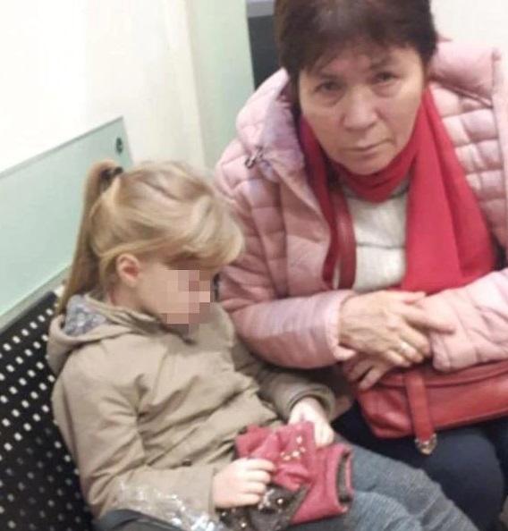 Полина Богорач с бабушкой