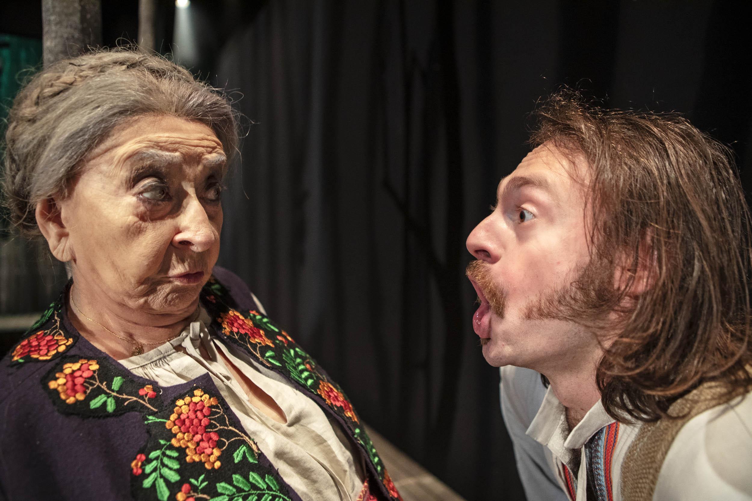 Лия Кениг в роли старой казачки. Фото: Жерар Алон