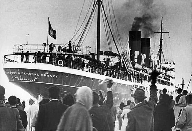 """אוניית העולים """"שאנזי'', תוניסיה, סוף שנות ה-1940 (באדיבות אנדרה נחום (המרכז לתיעוד חזותי ע""""ש אוסטר, בית התפוצות))"""