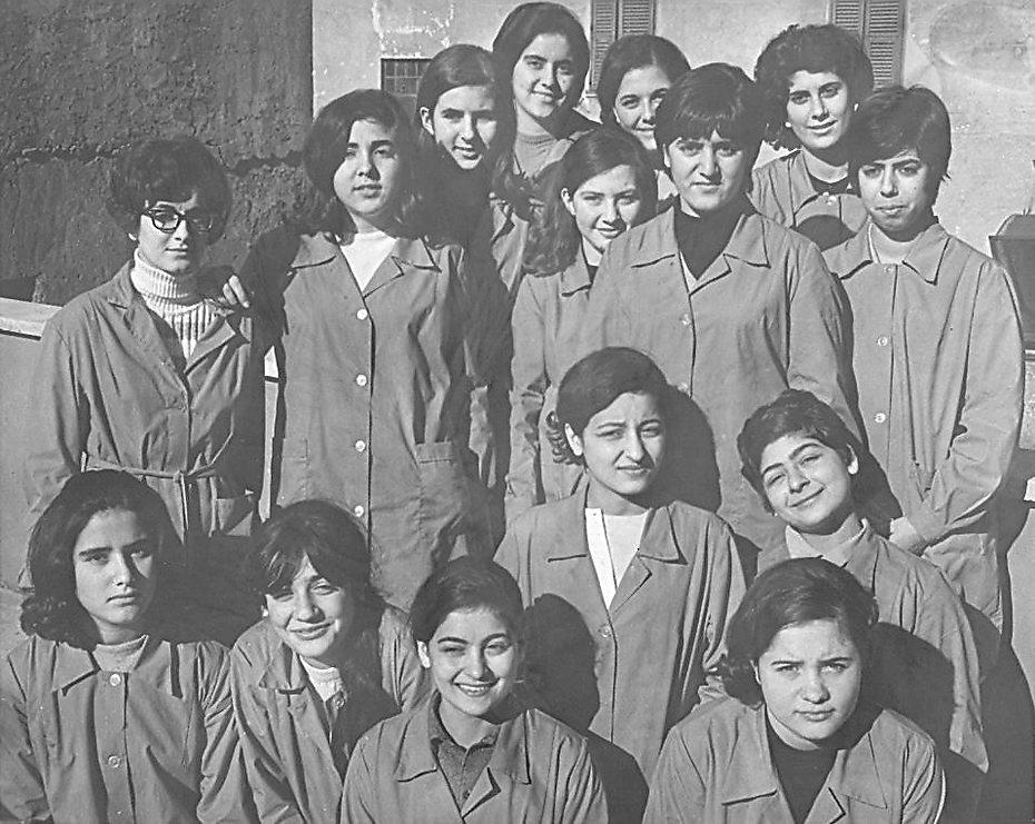"""קבוצת תלמידות בבית הספר אורט, לוב, 1967 (צילום: לני זוננפלד (המרכז לתיעוד חזותי ע""""ש אוסטר, בית התפוצות))"""
