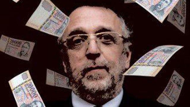הסתה אנטישמית נגד מנהיג קהילה יהודית הונגריה אנדרס הייסלר ()
