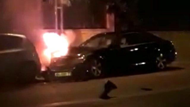 פיצוץ אש עשן רכב מטען ראשון לציון מרטין בובר ()