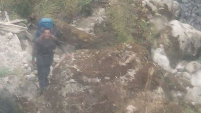 חילוץ דניאל לוי נהר אוורסט בנפאל ()