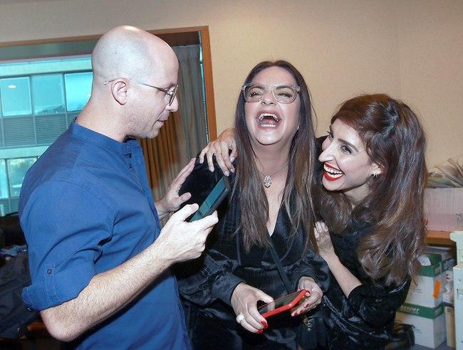 מה מצחיק? שני כהן, אסייג וזרחוביץ' (צילום: ענת מוסברג)