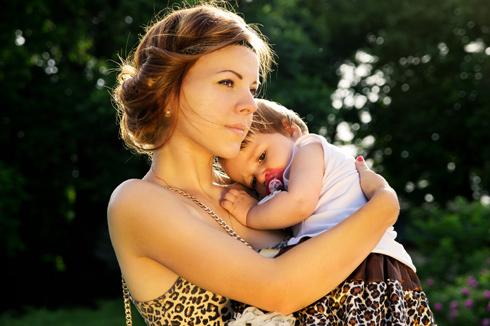 """הסוג היחיד של כעס שהעולם מוכן לקבל מנשים הוא כעס של """"אמא דובה"""" (צילום: Shutterstock)"""