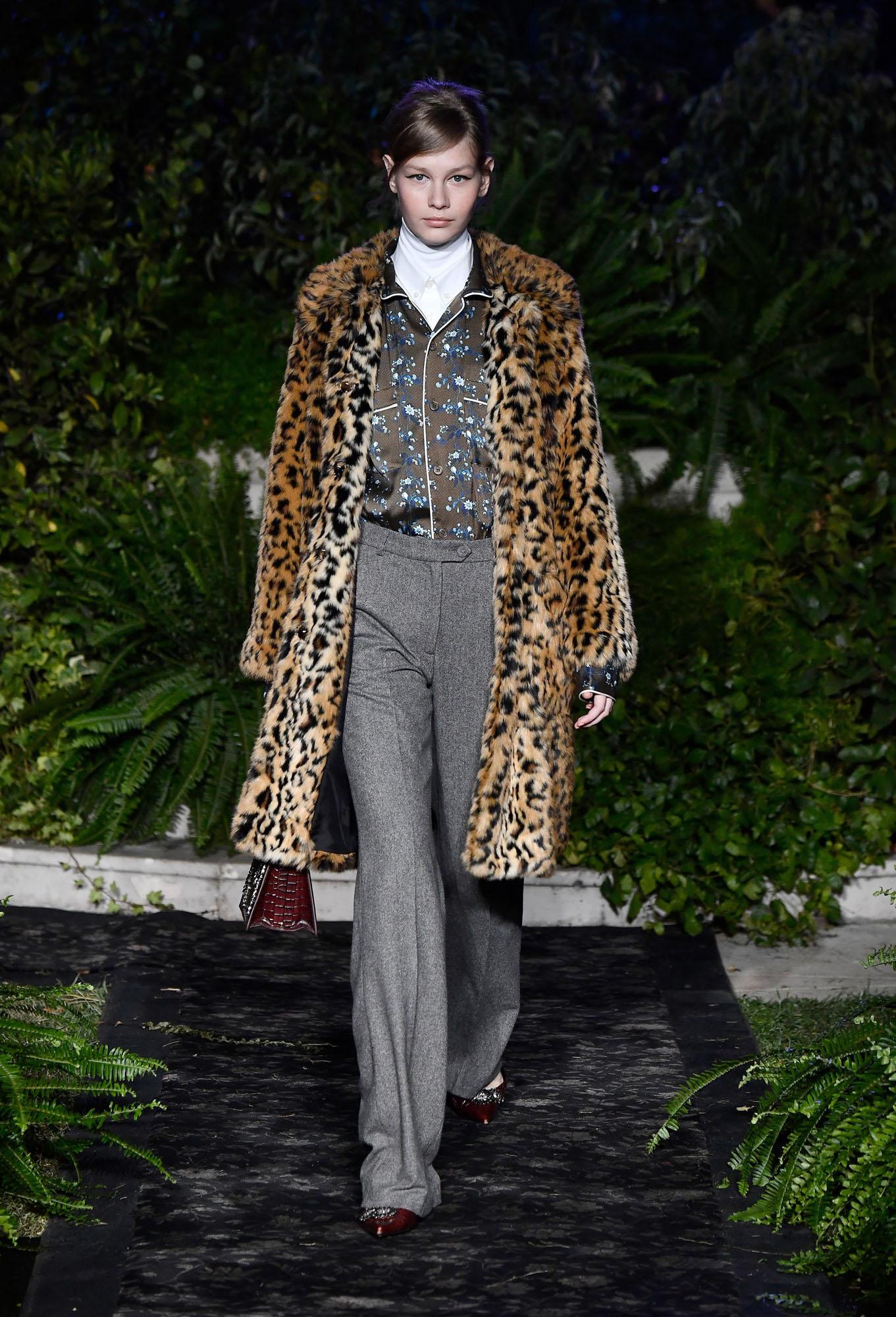 לסופיה מצ'טנר יש שיתוף פעולה הדוק עם רשת האופנה השבדית H&M, שבחרה בה גם לצעוד בתצוגה שחשפה את הקולקציה עם מעצב האופנה ארדם  (צילום: Frazer Harrison/GettyimagesIL)
