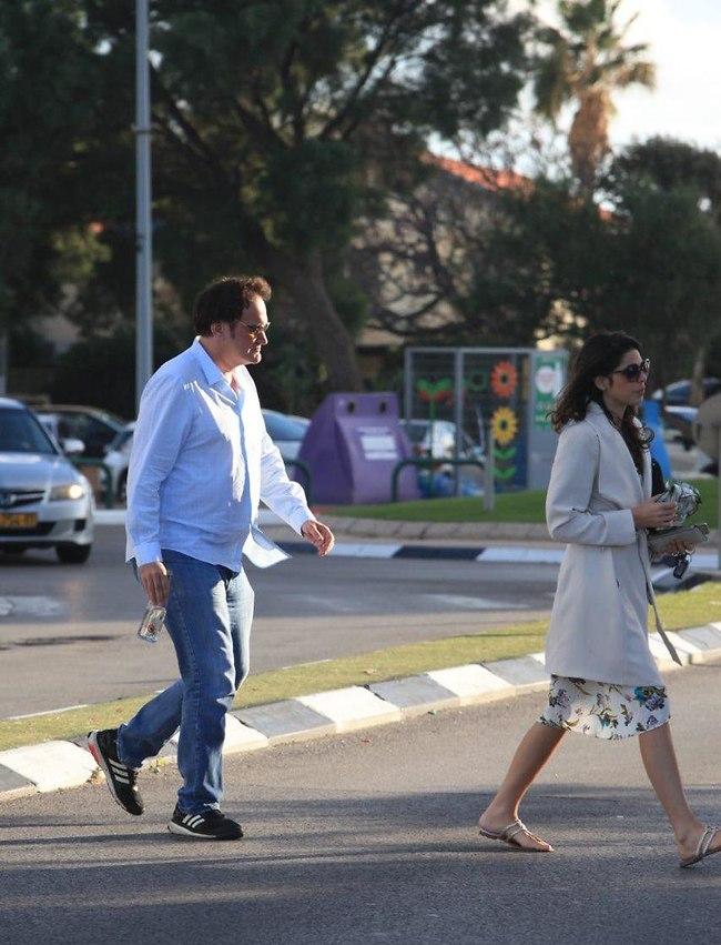 למה לא במעבר חציה? דניאלה פיק וקוונטין טרנטינו (צילום: מוטי לבטון)