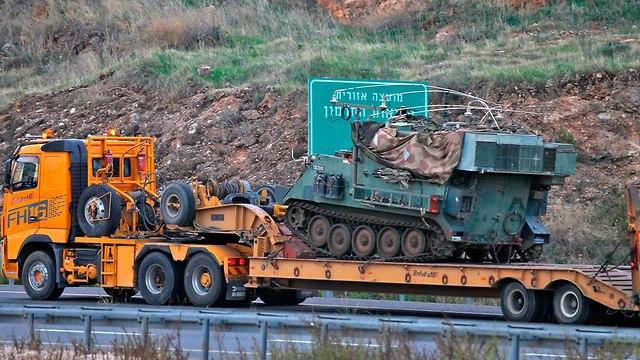 ניוד כוחות שריון לעבר גבול לבנון (צילום: AFP)