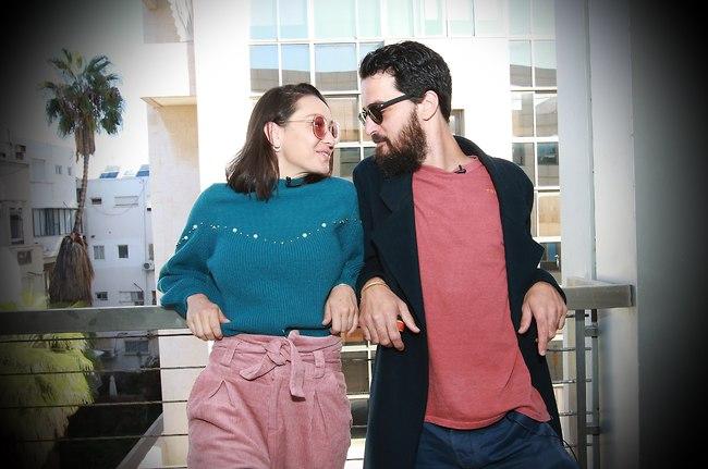 נתראה בחתונה? אנה ארונוב והחבר אייל אלגבי (צילום: ענת מוסברג)