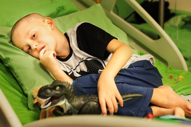 Ваня в больнице. Фото: личный архив