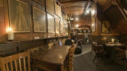 מתוך אתר Gordon's Wine Bar