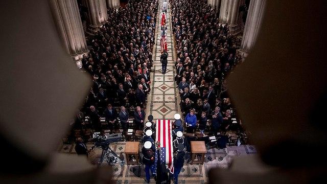 טקס אשכבה ג'ורג' בוש האב (צילום: EPA)