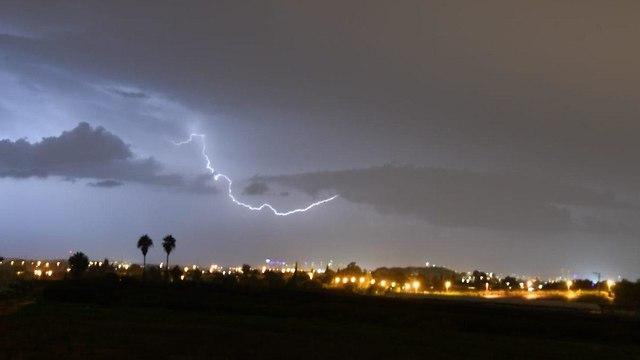 ברק בכפר הס (צילום: יאיר שגיא)