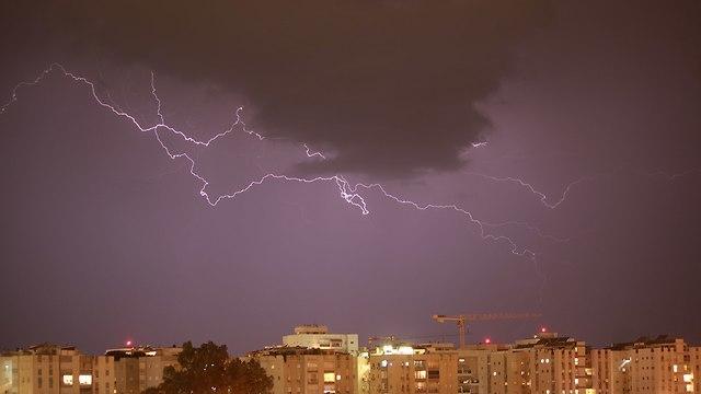 ברקים תל אביב (צילום: רון צחור )