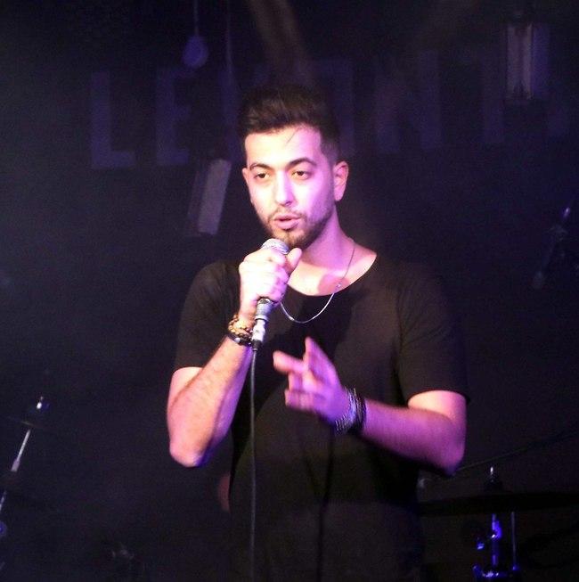 קורנבלום על הבמה (צילום: אמיר מאירי)