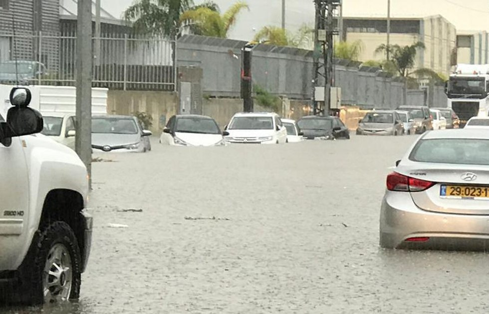 Flooding in Yavne (Photo: Oded Perry)