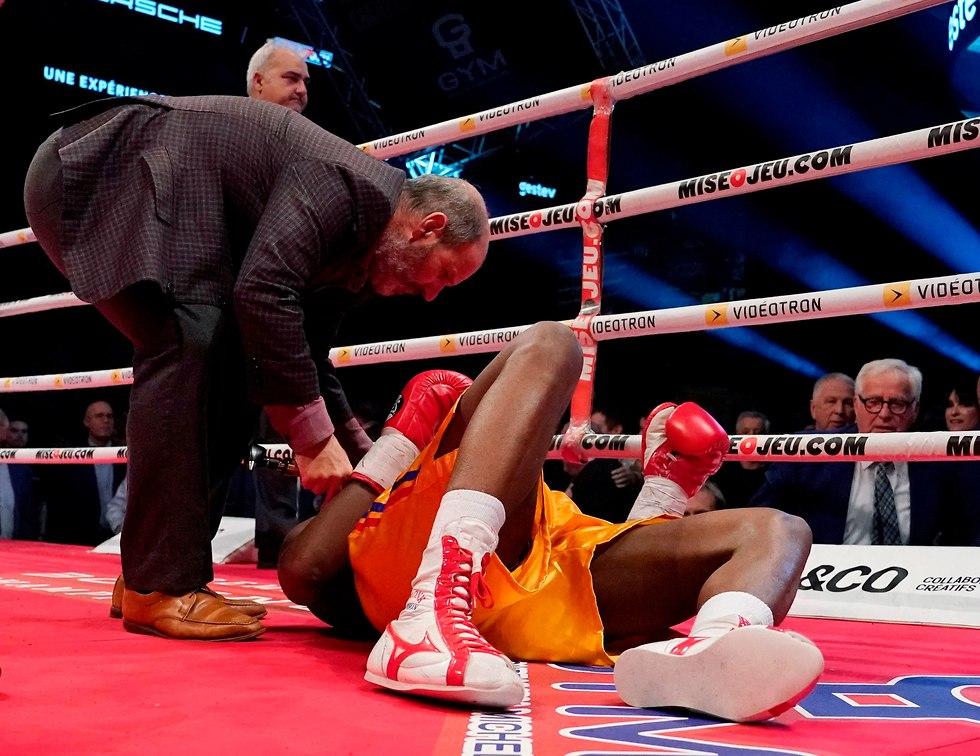 אדוניס סטיבנסון איגרוף (צילום: AFP)