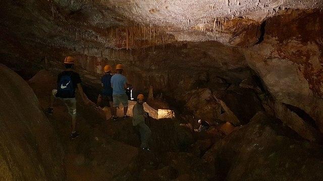 נטיפים מדהימים במערה (צילום: אסף קמר)